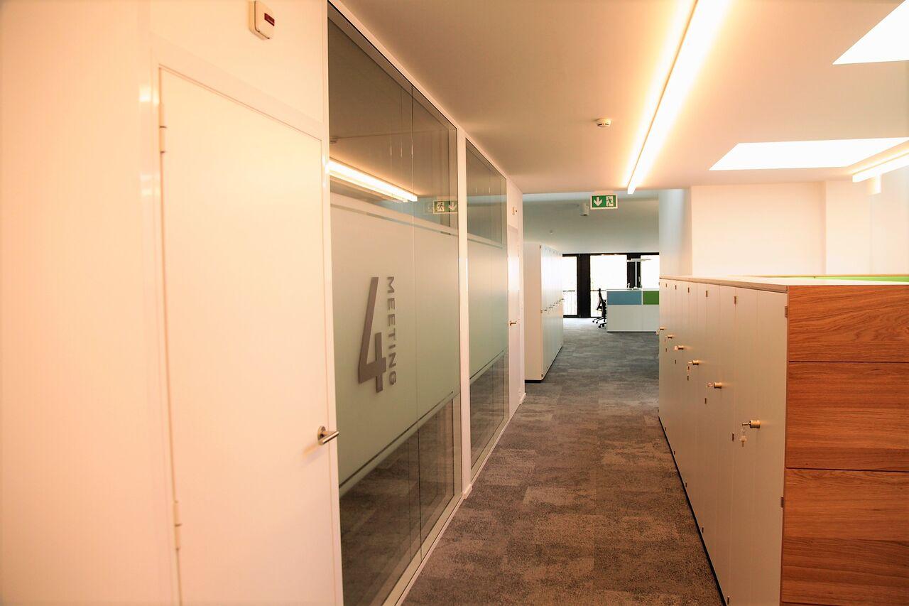 espace cloisons alu couloir gallery slalom cloison modulable translucide h x l cm cloison. Black Bedroom Furniture Sets. Home Design Ideas