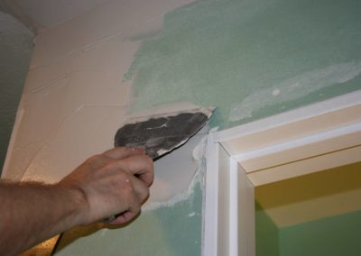 Spackling Drywall