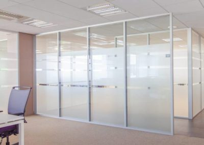 Removable partition / wooden / for offices