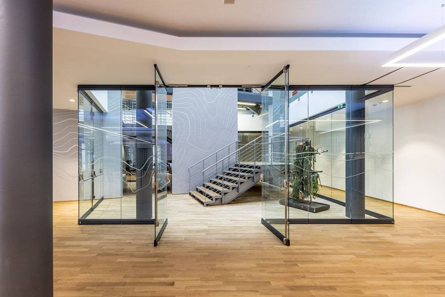 Sliding and stacking partition / crystal / for offices / for conference rooms